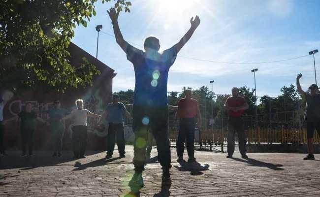 Tây Ban Nha: Cả thị trấn hùng hục… giảm béo!