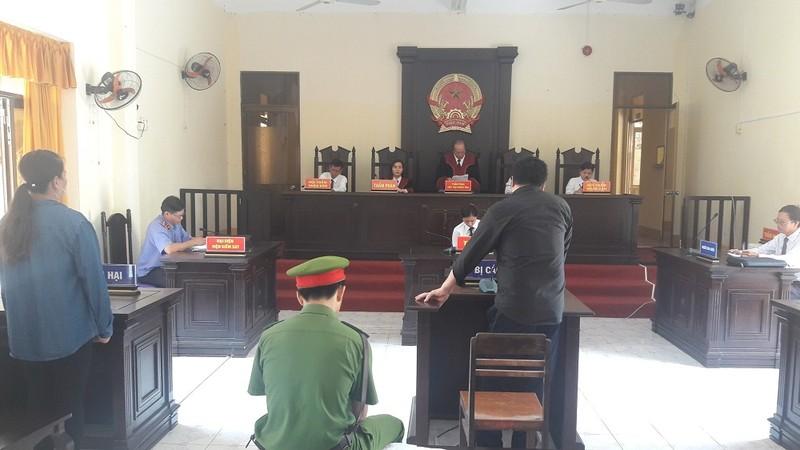 Phiên tòa xử Phạm Tô Hiền