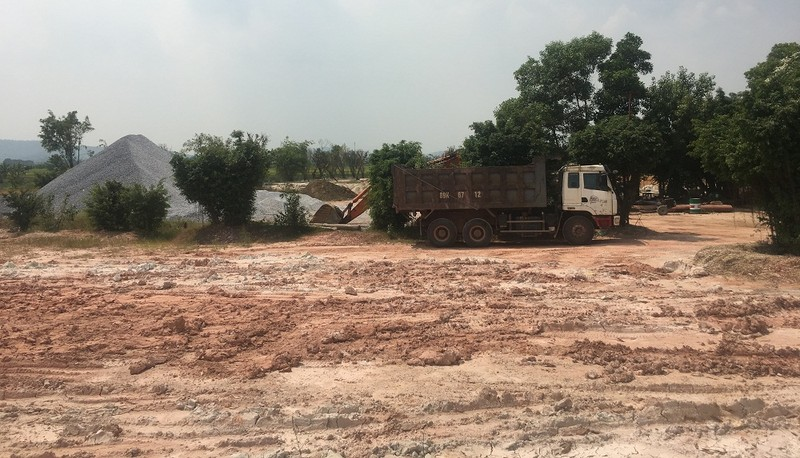 Khu đất Cầu Vàng đang được xã Hoàng Tiến làm thủ tục để xin chuyển đổi sang đất dịch vụ