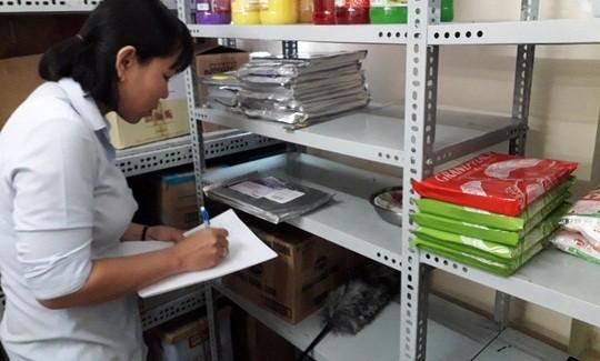 Vụ ngộ độc tập thể tại TP HCM: Công ty cung cấp bánh mì đã hết hạn giấy chứng nhận ATTP