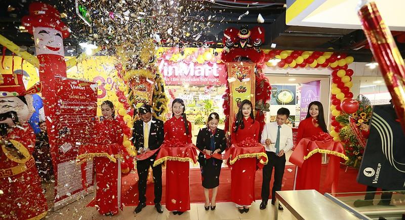 VinMart đồng loạt khai trưởng 23 siêu thị mới trên địa bàn Hà Nội trong sáng 10/11