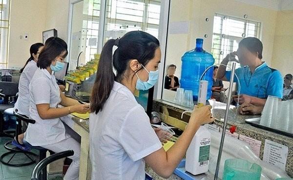 Chi trả thuốc ARV cho bệnh nhân.Ảnh minh họa: internet