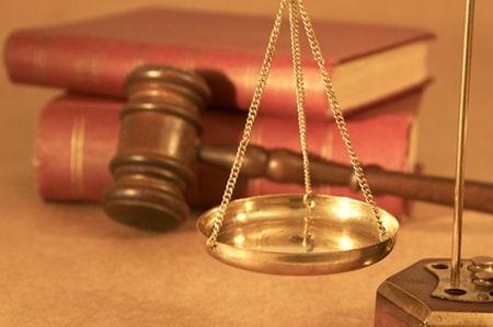 Từ việc khởi tố vụ án học sinh bị tát 231 cái: Tìm hiểu quy định xét xử vụ án có người bị hại dưới 18 tuổi