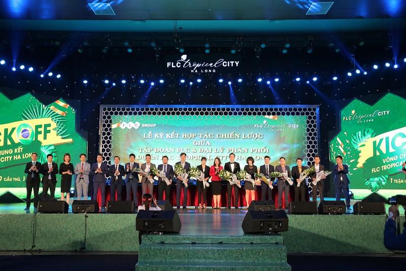 Sự kiện Kickoff dự án FLC Tropical City Ha Long vừa diễn ra thành công rực rỡ tại quần thể FLC Hạ Long (Quảng Ninh), quy tụ nhiều đại lý chiến lược và 1000 chuyên viên tư vấn trên toàn quốc vào ngày 25/11