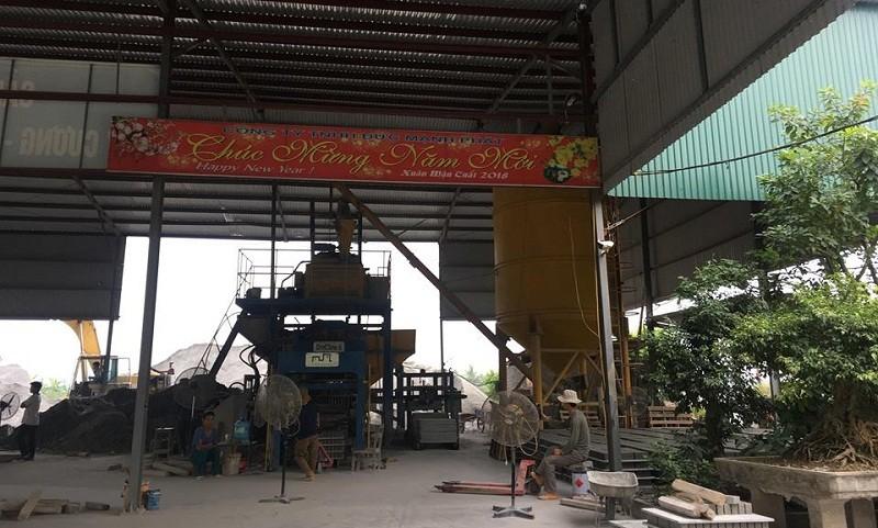 Một số hoạt động tại khu bến bãi của gia đình ông Nguyễn Công Dương