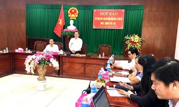 Ông Nguyễn Thành Đông phát biểu tại họp báo. Ảnh ĐĐK