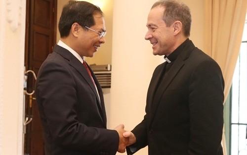 Việt Nam luôn bảo đảm tự do tín ngưỡng, tôn giáo của người dân