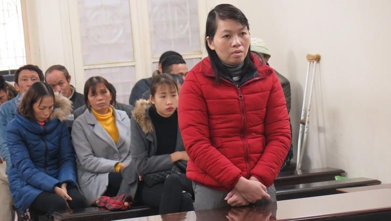 Bị cáo Đinh Thị Hồng Linh tại tòa