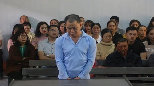 Bảo vệ cửa hàng đâm chết quản lý lãnh án tù
