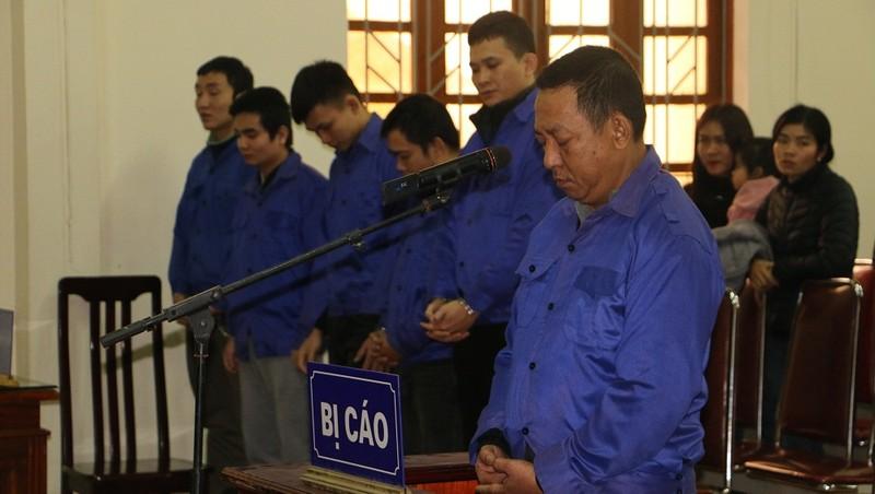 """Với hành vi """"Buôn bán hàng cấm"""" Huỳnh Kim Toàn nhận mức án 10 năm tù"""
