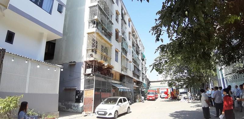 Di dời khẩn cấp người dân ở Chung cư 518 vì chung cư bị nghiêng lún, có thể đổ sập bất cứ lúc nào