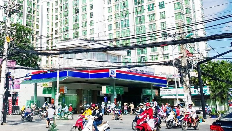 TP HCM: Tìm lời giải quy hoạch lại cây xăng trong nội đô
