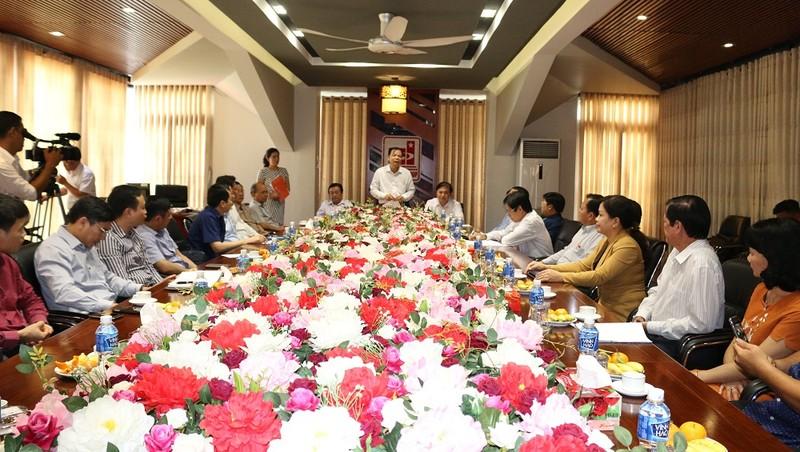 Đoàn công tác Bộ Trưởng Bộ NN&PTNT Nguyễn Xuân Cường đến thăm và làm việc với Tập đoàn Sao Mai