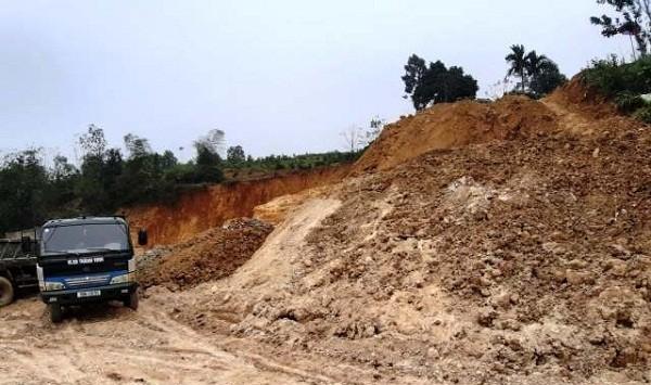 Phú Thọ: Phức tạp tình trạng khai khoáng trái phép