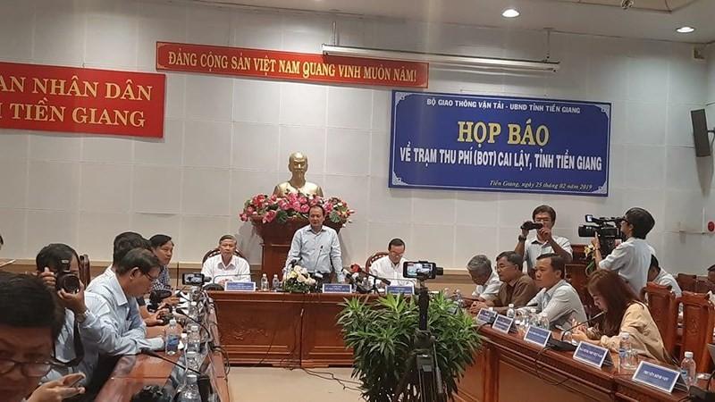 Thứ trưởng Bộ GTVT Nguyễn Nhật chủ trì buổi họp báo