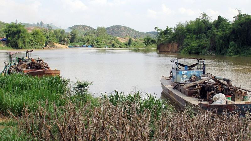 Nỗi lo ô nhiễm nước đầu nguồn của TP HCM