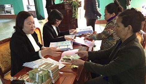 Vốn ngân hàng 'giải cứu' giá lúa gạo