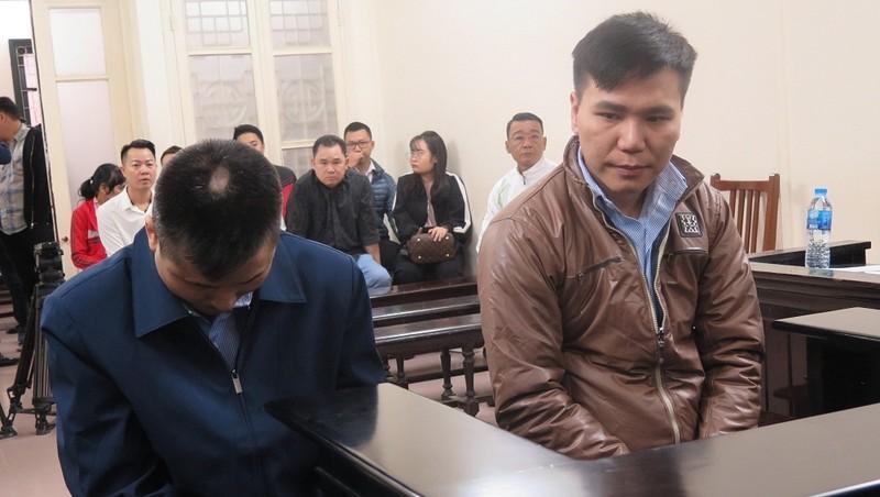 Bị cáo Châu Việt Cường và Phạm Đức Thế tại tòa