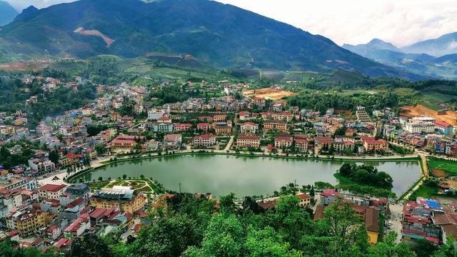 Thị trấn Sa Pa nhìn từ trên cao - Ảnh tư liệu