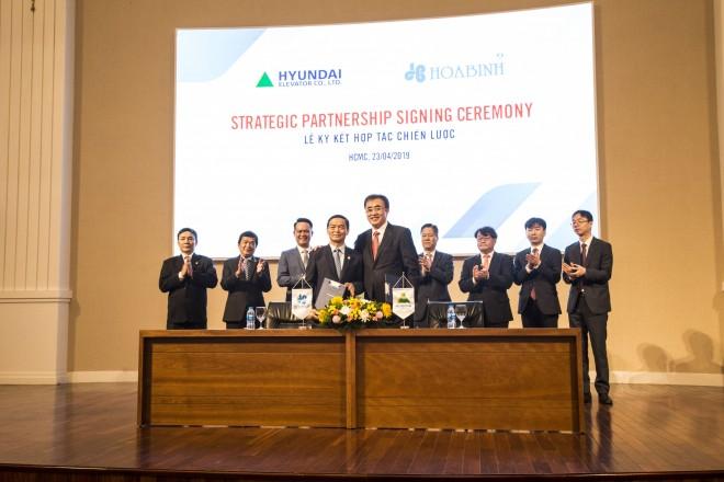 Hòa Bình ký kết thỏa thuận phát hành riêng lẻ và hợp tác chiến lược với Hyundai Elevator - Ảnh 4