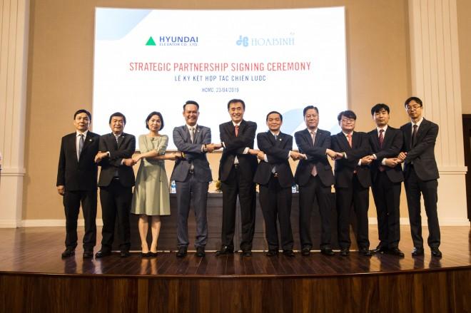 Hòa Bình ký kết thỏa thuận phát hành riêng lẻ và hợp tác chiến lược với Hyundai Elevator - Ảnh 5