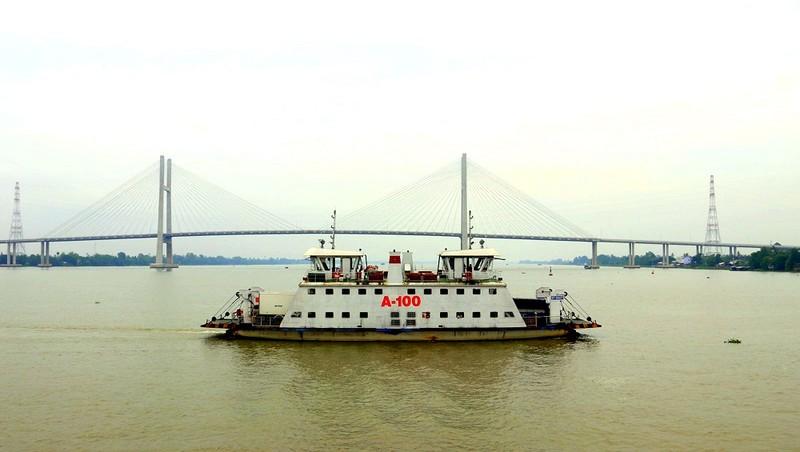 Cầu – phà chuyển giao loại hình phục vụ cũng đồng nghĩa với việc đất nước chuyển sang bước phát triển mới, diện mạo mới