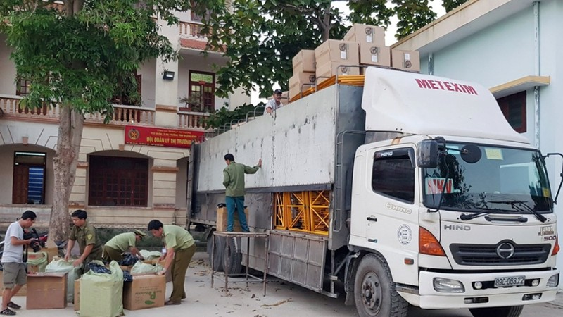 Lực lượng QLTT Quảng Bình kiểm tra và thu giữ 18.600 bao thuốc lá điếu nhập lậu