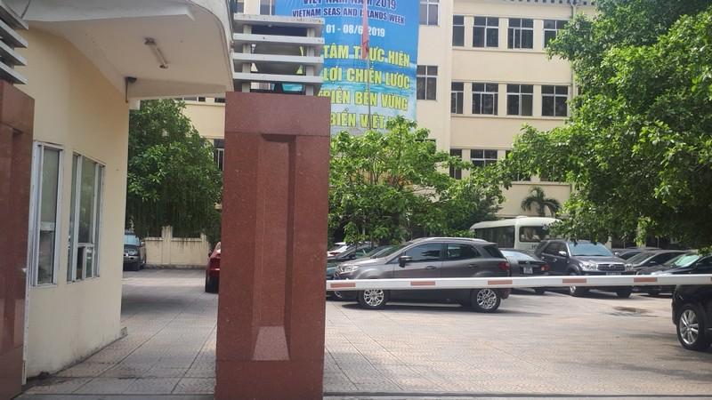 Nhà nước chi hàng trăm tỷ đồng cho  xây  trụ sở mới 18 tầng nhưng Bộ TN&MT vẫn giữ trụ sở cũ ở 83 Nguyễn Chí Thanh