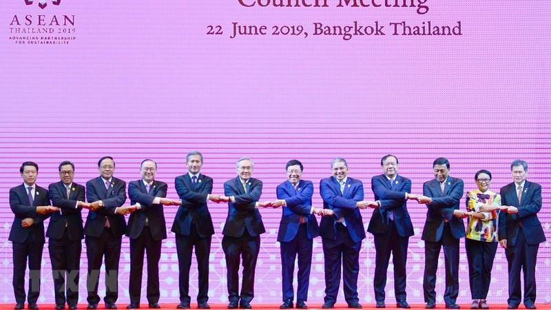 Các đại biểu dự APSC-19 chụp ảnh chung. (Ảnh: Ngọc Quang-Hữu Kiên/TTXVN)