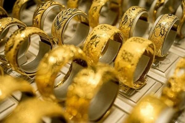 """Vẫn có một số người vẫn đang """"găm"""" vàng chờ tăng giá để bán ra. Ảnh minh họa"""