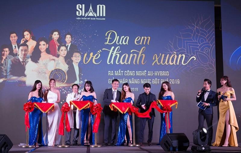 Công bố phương pháp nâng ngực Au-hybrid tại viện thẩm mỹ Siam Thailand