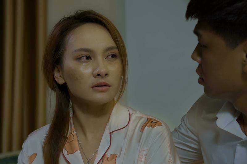 """Bảo Thanh """"Về nhà đi con"""" đánh ghen, khoe giọng hát trong MV mới"""
