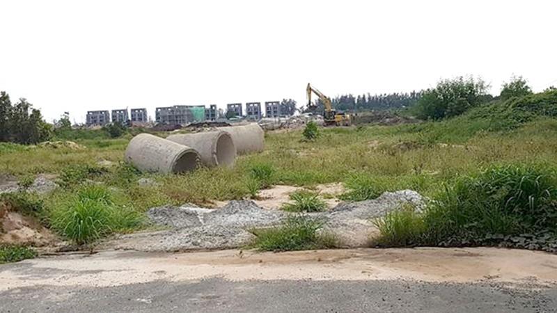 """Khu Bãi Trường đang trở thành """"chiến trường"""" khi hàng loạt nhà đầu tư lập dự án, phân lô chuyển nhượng tràn lan"""