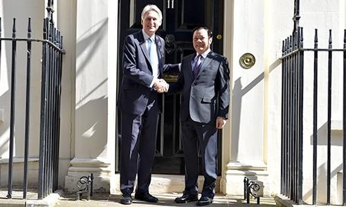 Sáng ngày 3/7/2019 (giờ London), Bộ trưởng  Đinh Tiến Dũng đã có cuộc gặp và làm việc với ngài Phillip Hammond, Bộ trưởng Ngân khố Anh
