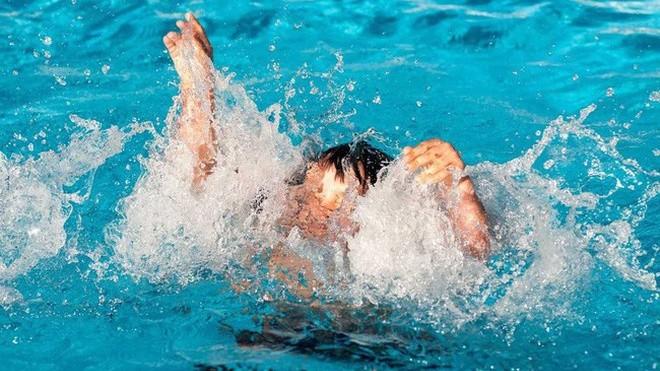 Sơ cứu đúng cách khi trẻ đuối nước