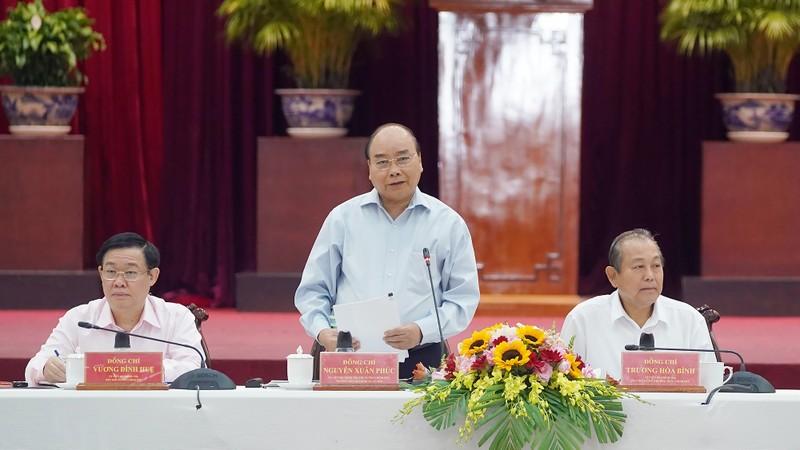 Thủ tướng Nguyễn Xuân Phúc chủ trì cuộc làm việc của Tiểu ban Kinh tế-Xã hội Đại hội Đảng XIII với các địa phương vùng ĐBSCL và TPHCM. Ảnh: VGP/Quang Hiếu
