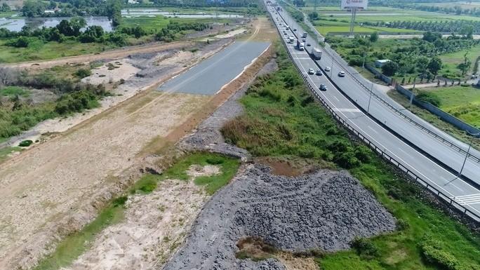 Dự án Cao tốc Trung Lương - Mỹ Thuận hiện vẫn còn ngổn ngang