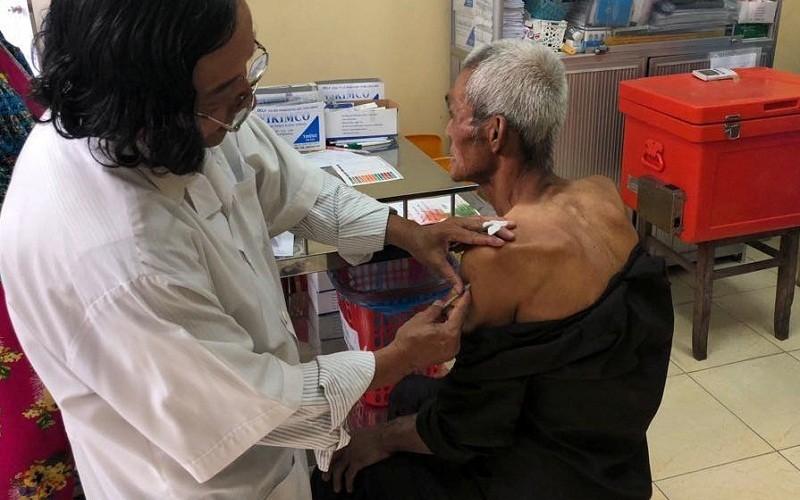 Phải tiêm vaccine dại ngay sau khi bị động vật nghi dại cắn