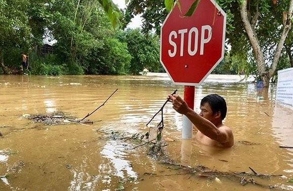Nhiều tuyến đường trên địa bàn 2 huyện Tân Phú và Định Quán ngập sâu