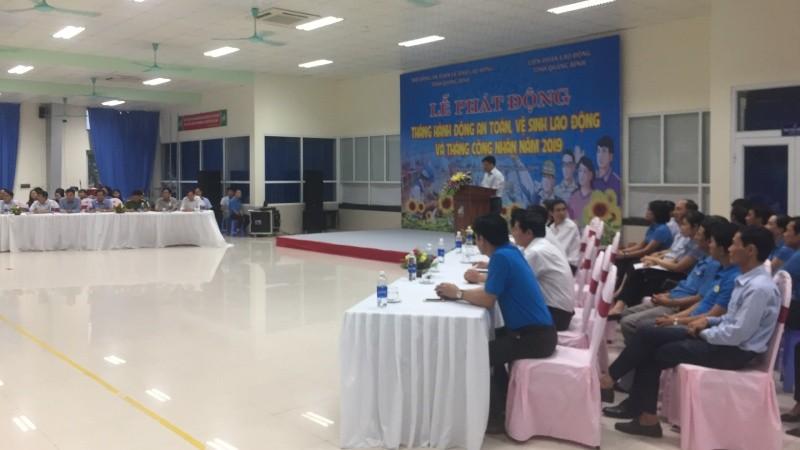 Ông Nguyễn Trường Sơn, Giám đốc Sở LĐTB&XH Quảng Bình phát biểu và triển khai tháng hành động về ATVSLĐ, PCCN năm 2019