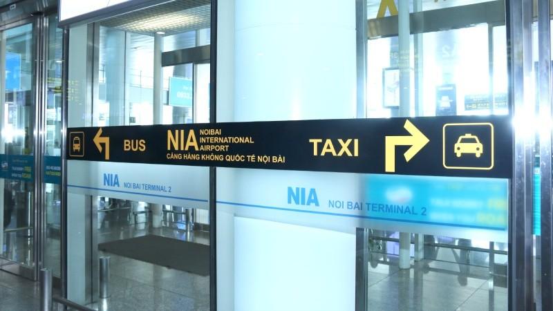 """Sân bay Nội Bài khuyến cáo hành khách tránh """"taxi dù"""""""