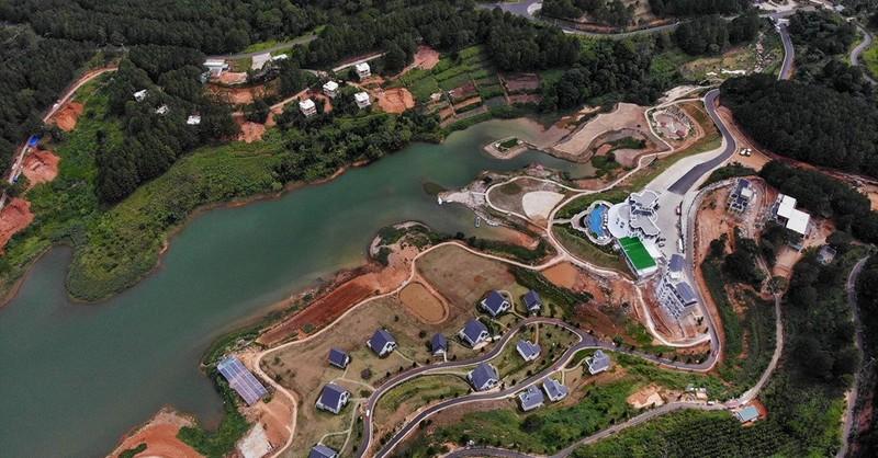 """Những """"kỳ quan"""" không được cấp phép, xây dựng quanh hồ Tuyền Lâm"""