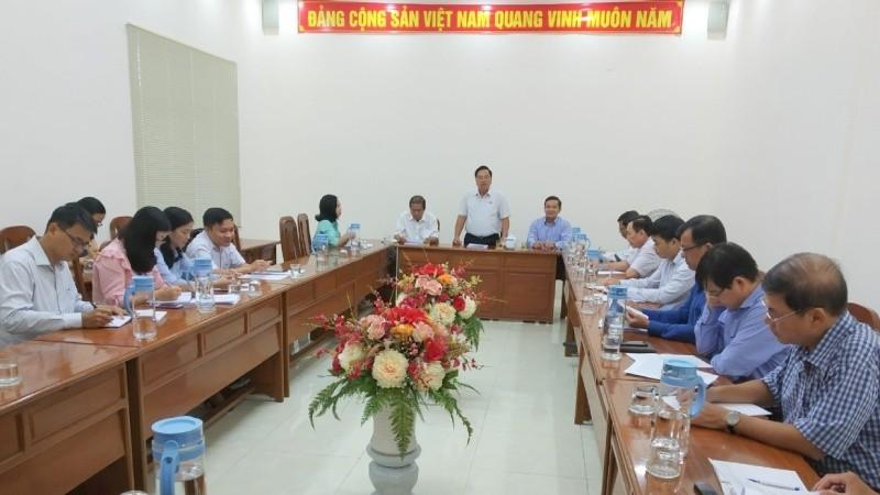 Ông Nguyễn Thanh Xuân, Phó Trưởng đoàn ĐBQH Cần Thơ tiếp thu các ý kiến đóng góp của các đại biểu
