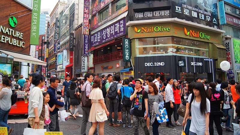 Du khách Việt Nam sang Hàn Quốc ưa chuộng mua sắm quần áo và các sản phẩm làm đẹp