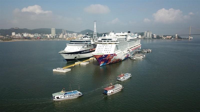 Đón 50 triệu du khách, Quảng Ninh làm được không?