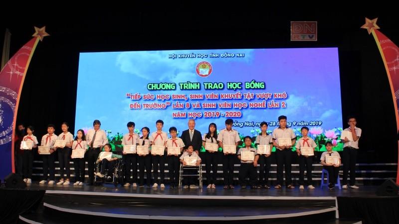 Vedan Việt Nam tiếp tục đồng hành cùng Hội Khuyến học tỉnh Đồng Nai trao tặng học bổng cho HSSV năm học 2019 - 2020