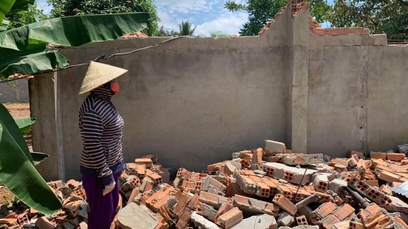 Sau khi đổi miếng đất, ông Thuyên phá nhà kho cũ thì bị Công an huyện Thống Nhất bắt giam
