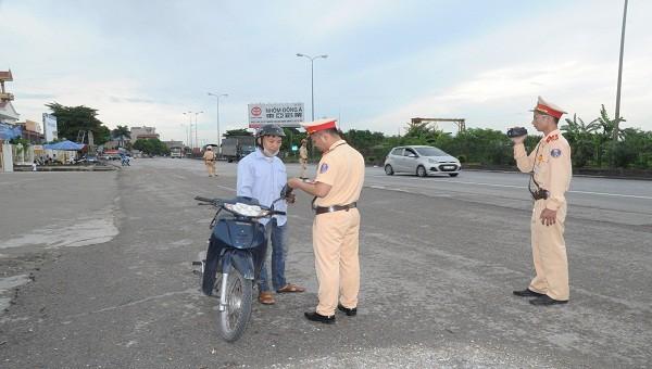 Lực lượng Cảnh sát giao thông làm nhiệm vụ. Ảnh minh họa