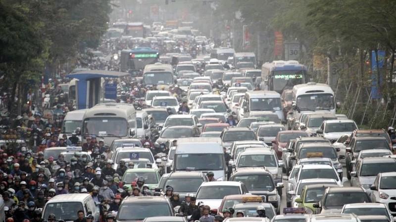 Tình trạng ùn tắc thường xuyên xảy ra tại các đô thị lớn ở Việt Nam