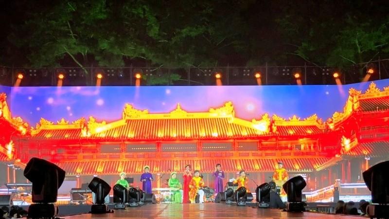 Các tiết mục biểu diễn của nghệ sĩ Huế được cho là đã để lại ấn tượng tại lễ hội
